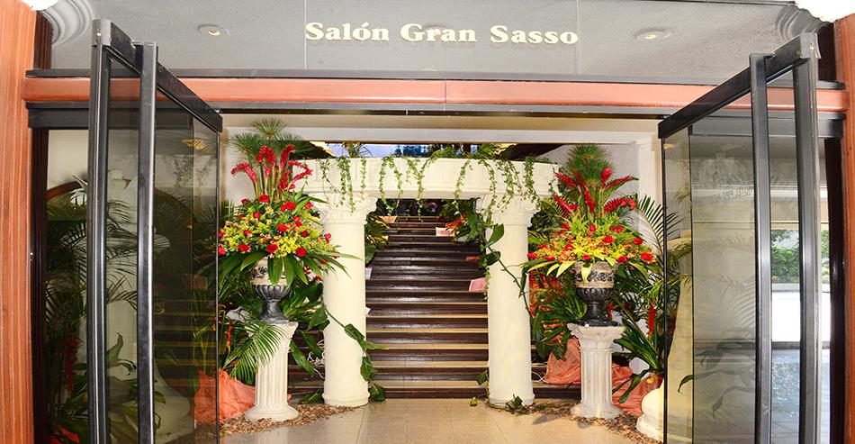 Salon Gran Sasso Entrada B - Hotel Pipo